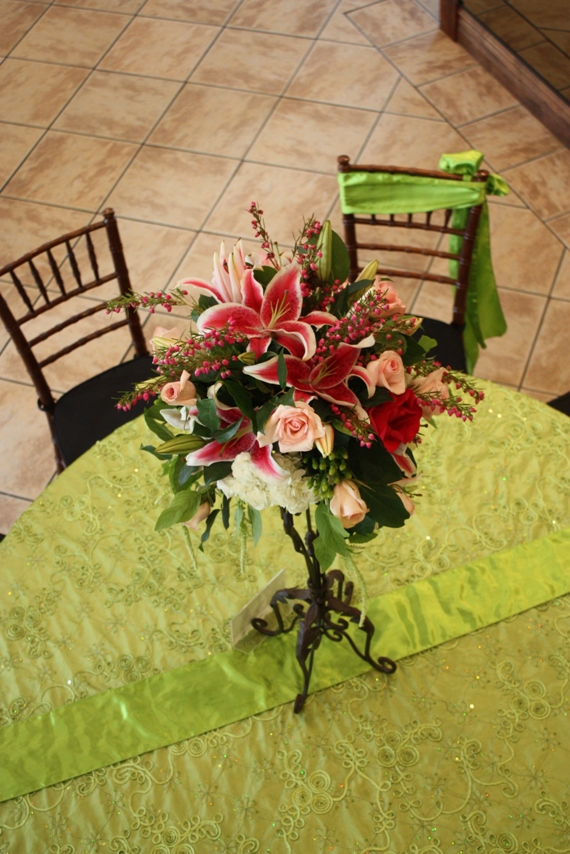fuchsia and white wedding centerpiece
