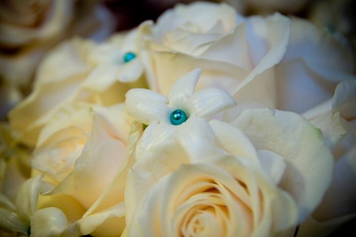 CenterpiecesSpa Blue waterwhite Oriental Liliesoffwhite Tulipswhite